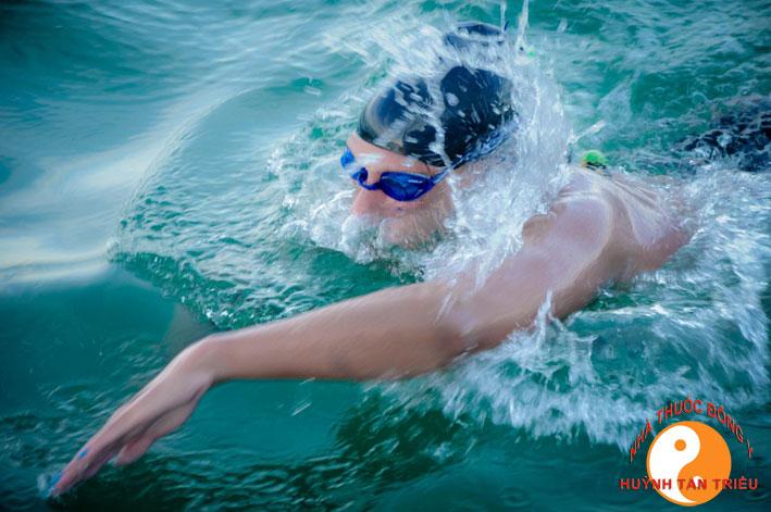 gout bơi lội