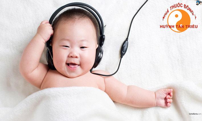 Nghe nhạc giúp đánh lạc hướng cảm giác