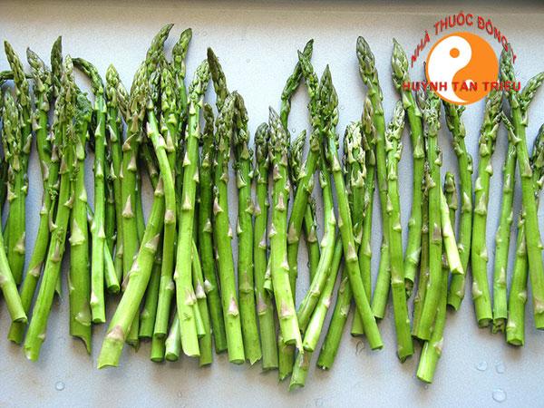 Măng tây một trong bốn loại rau củ quả giúp trị yếu sinh lý