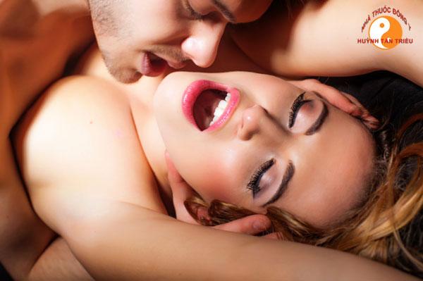 """8 câu nói """"cấm tuyệt đối"""" khi đang trên giường với phụ nữ"""